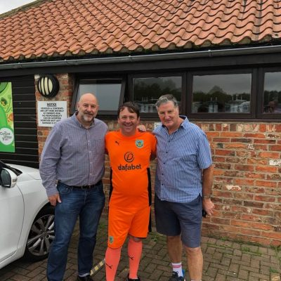 Ex-Boro Goalkeeper Jim Platt visits Larchfield Community